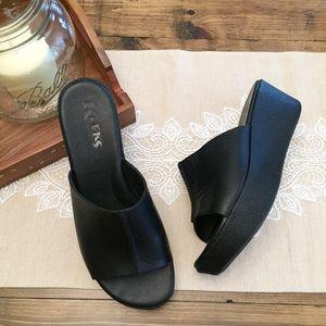 Korks Kork-Ease Black Flatform Wedge Sandals 9